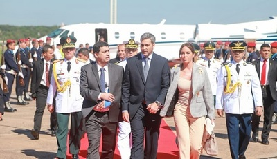 Abdo Benítez alienta manifestación a favor de intervención en CDE
