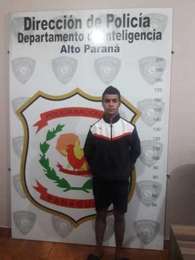 Joven confesó haber segado la vida de un guardia al entregarse ayer a la Policía