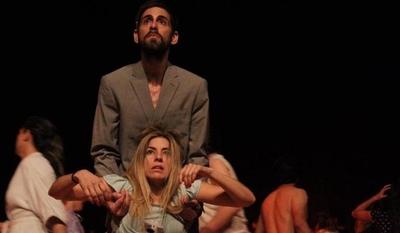 """HOY / """"La luna"""" de Tana Schémbori, en el Teatro Latino"""