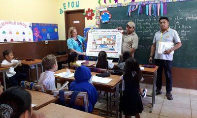 Recorren instituciones educativas para concienciar sobre dengue