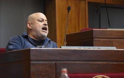 Payo Cubas propone recorte de salarios para presidente, diputados y senadores
