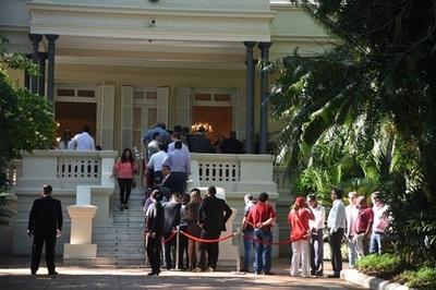 Presidente cumple 47 años y recibe a visitantes en Mburuvicha Róga