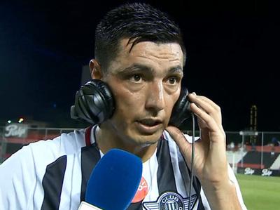 Tacuara Cardozo fue la figura indiscutible del partido