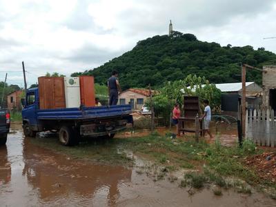 Inundaciones sigue afectando a familias de Asunción, Central y Chaco