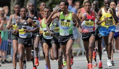 Miles de etíopes y eritreos corren por la paz en Adís Abeba