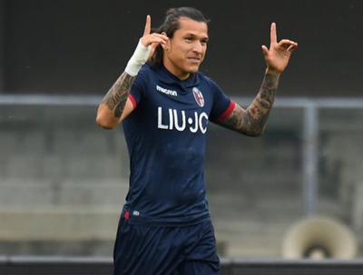 Federico Santander marcó en el empate del Bologna