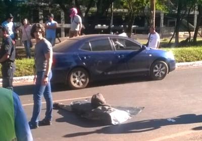 Sexagenario muere tras ser  arrollado por un automóvil