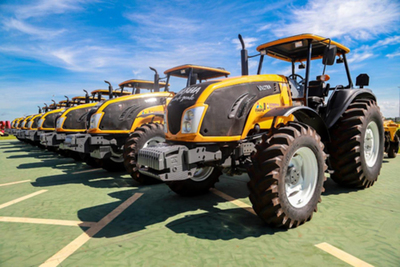 Inicia proceso para  adquirir tractores
