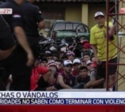 Más de un centenar de hinchas detenidos tras desmanes