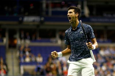 Djokovic recibe el premio como número uno de final de año