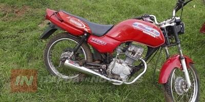 CNEL. BOGADO: DETIENEN A SUPUESTOS LADRONES DE MOTOCICLETA