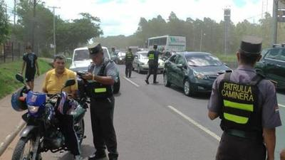 Conductores que transiten por el carril izquierdo serán amonestados