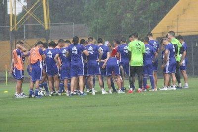 Osorio llamó a 24 jugadores para medir a Sudáfrica