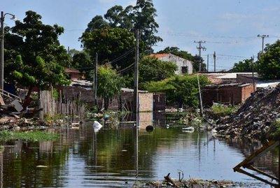 Se elevan a 6.000 las familias afectadas por las inundaciones en Paraguay