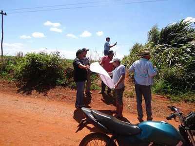 Buscan solución a conflicto de tierras en Tembiaporã