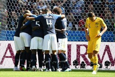 Francia se sobrepuso a Australia 2-1 en juego histórico