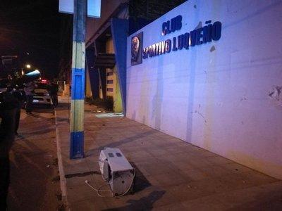 Luqueños atacaron sede del club