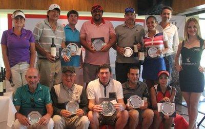 Circuito internacional de golf premió a los mejores