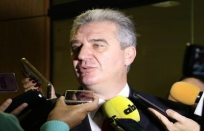 Bacchetta lamenta destitución de Nancy Ovelary vaticina que con Petta no habrá avances en las políticas de educación