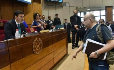 """Por """"inconducta"""" de Payo, levantan sesión secreta de senadores"""