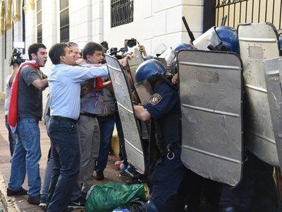 Anulan condena de policía que disparó a diputado Édgar Acosta