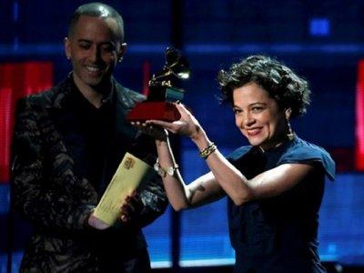 Rosalía, Lafourcade y Carlos Vives, vencedores en pregala de Latin Grammy