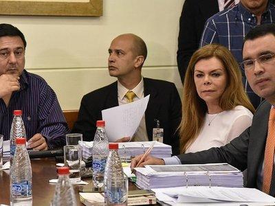 Esquivando respuestas, McLeod presentó su descargo en Diputados