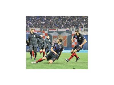 Tin Jedvaj resucita  a Croacia