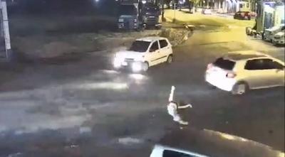 HOY / Joven arrollada identificó a conductora pero le piden callar la identidad