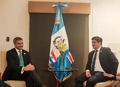 Abdo Benítez recoge interés en Paraguay