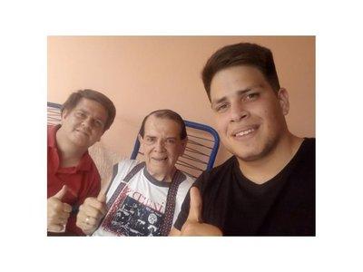 """Carlitos Vera: """"Aquí vivito y coleando"""""""