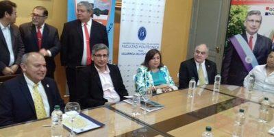 Gobernación  firma convenio con la Facultad Politécnica de la UNA-Villarrica.