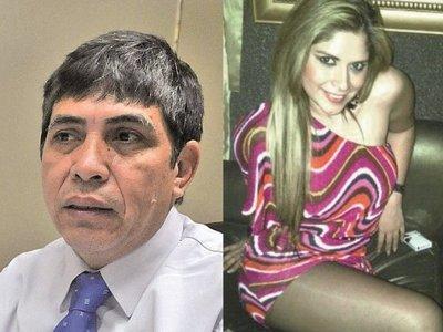 Liz Duarte, la secre mejor pagada del mundo? El contralor Velazquez usufructúa sus servicios con pagos cercanos a los 30 palos por mes pagados por el estado.