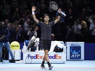 Djokovic se mantiene invicto y luchará contra Zverev en la final