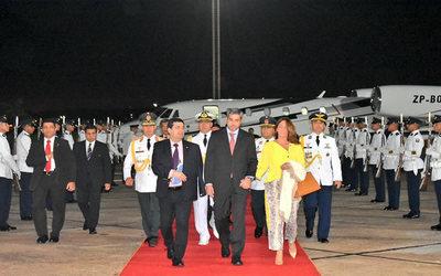 Mario Abdo retornó al país tras participar de la Cumbre Iberoamericana