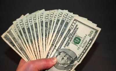 HOY / Dólar rompe marca histórica y trepa a G. 6.010