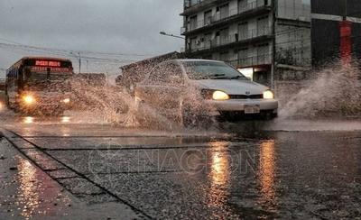 HOY / Tormentas dejaron fuera de servicio a líneas de media tensión, afectando a 14 ciudades