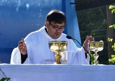 Padre Richard Noguera desmiente denuncia de supuesta matanza de palomas