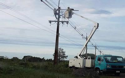 ANDE 3 líneas de media tensión continúan con servicio parcial