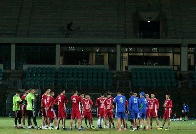Osorio afronta su primer test para que Paraguay recupere imagen internacional