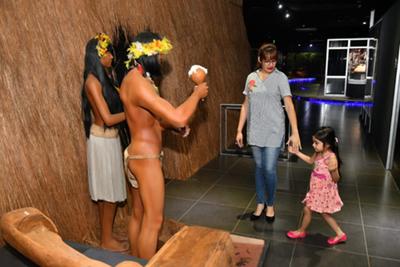 Noche de museos congregó a familias altoparanaenses