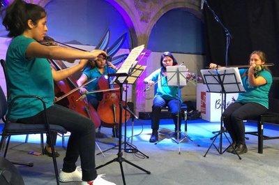 Jóvenes músicos promocionan en Bolivia derechos de la niñez