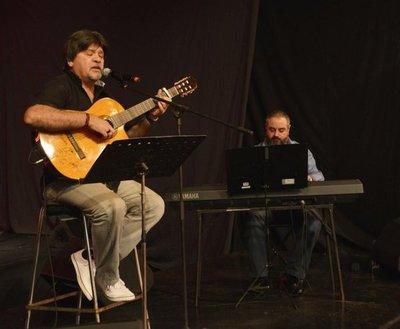 Ricardo Flecha dará esta noche un show solidario