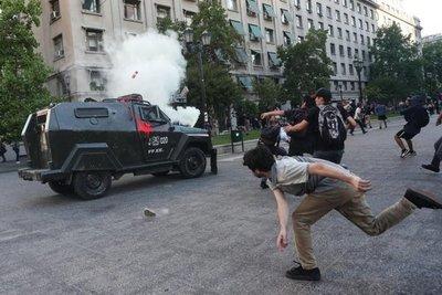 Violentas protestas por muerte de mapuche en Chile