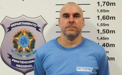 Pelado y aislado por 20 días en prisión de Paraná
