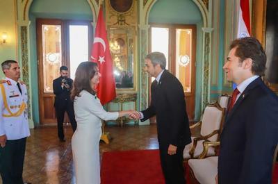 Turquía abre su embajada en Paraguay y acredita a su primera embajadora