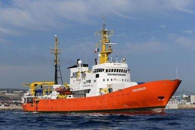 """Italia embarga barco humanitario """"Aquarius"""" por tratamiento ilegal de residuos"""