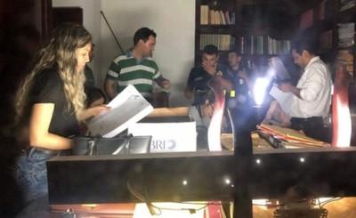 """Allanaron oficina """"quemada"""" del Clan ZI"""