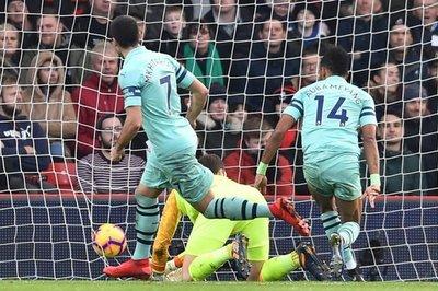 Arsenal gana a Bournemouth y se acerca