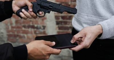 Procesan a comerciante que compro celular producto de un asalto y muerte